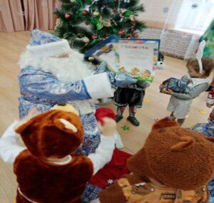 Награждение за участие в конкурсе «Новогодняя игрушка»