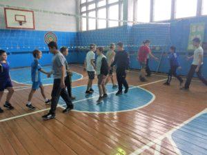товарищеская  встреча по волейболу с  девушками и юношами ООШ п. Кошелёвка