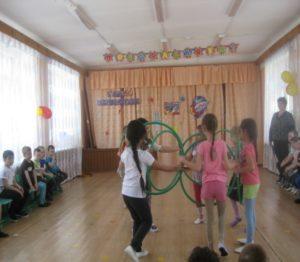 Танцевальная композиция с обручами