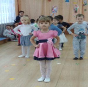 Танец «Улыбка» от разновозр.гр( восп. Конева Е.А.)