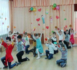 Танец «Листопад» (подг.группа)