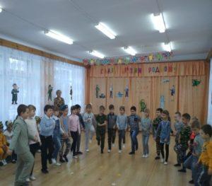 Песня «Бравые солдаты» (подготов.группа, воспитатель Зайцева Л.А.)