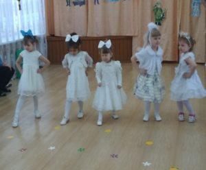 Танец «Куколки» (2-я мл группа, воспит. Малышева Н.И.)