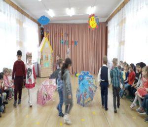 Танец с зонтиками (воспитатель Козулина Л.Н.)